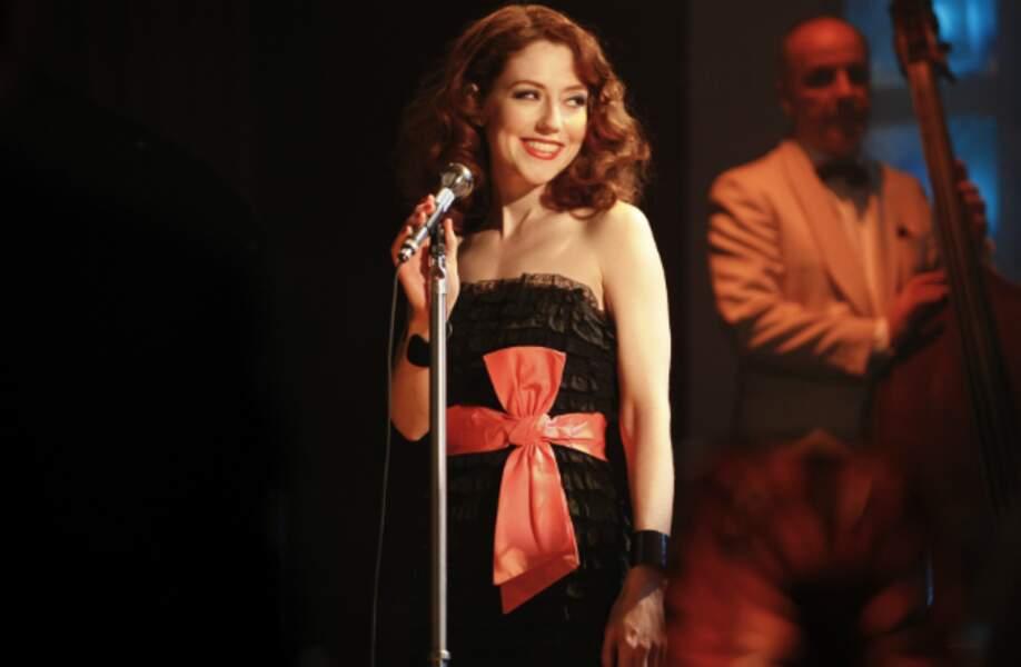 Elle joue aussi dans Les Petits Meurtres d'Agatha Christie sur France 2
