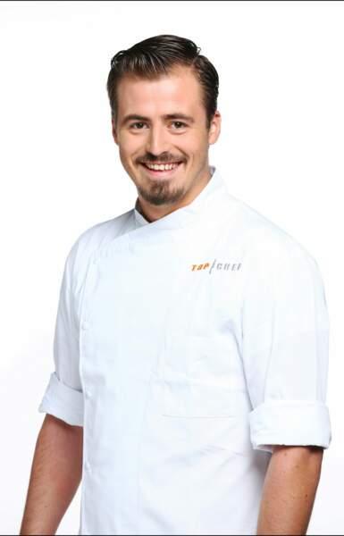 Voici Pierre Eon, 25 ans, chef adjoint d'un restaurant de Saint-Tropez