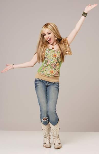 De 2006 à 2011, elle est l'idole des petites filles dans la sitcom Hannah Montana.