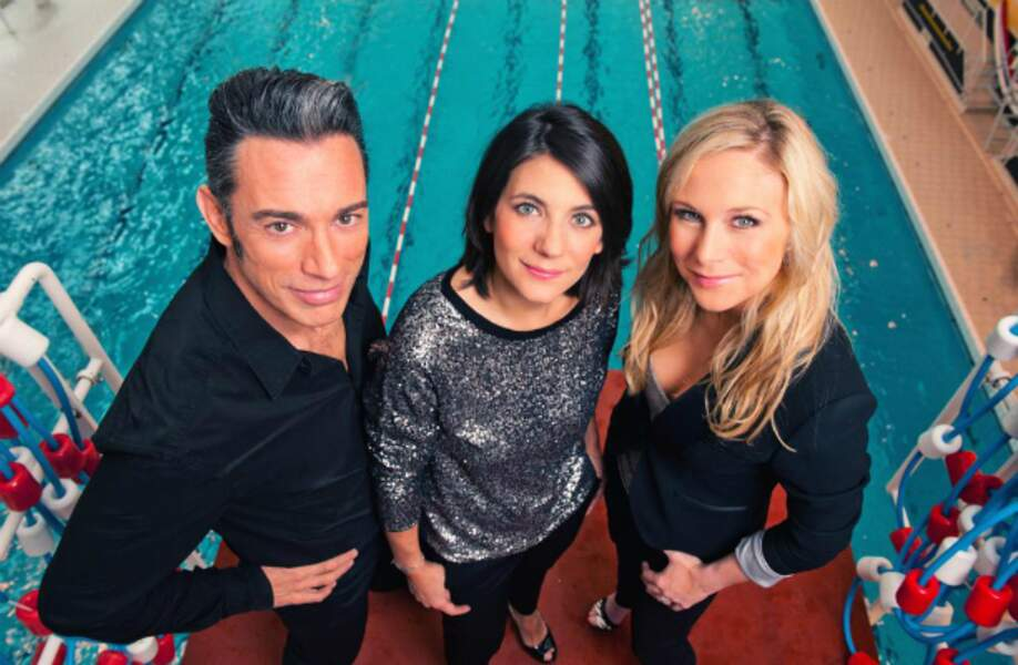 Estelle Denis, Julie Taton et Gérard Vives, les présentateurs de Splash, le grand plongeon