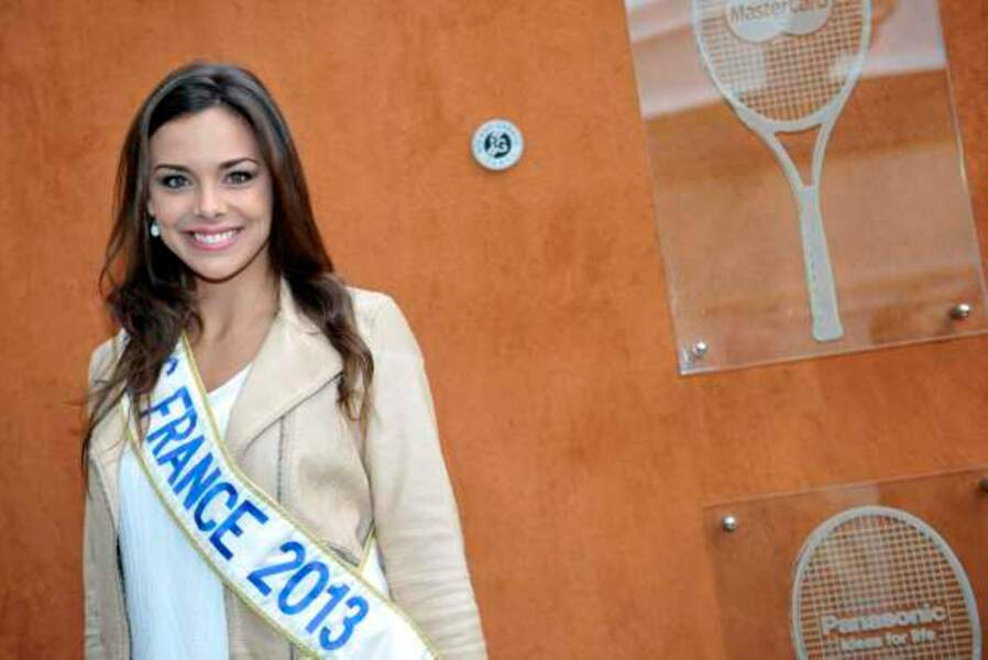 Miss France 2013, toujours souriante