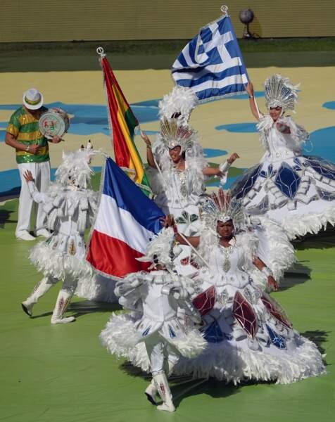 Cocorico ! Le drapeau français a défilé dans le stade Maracana