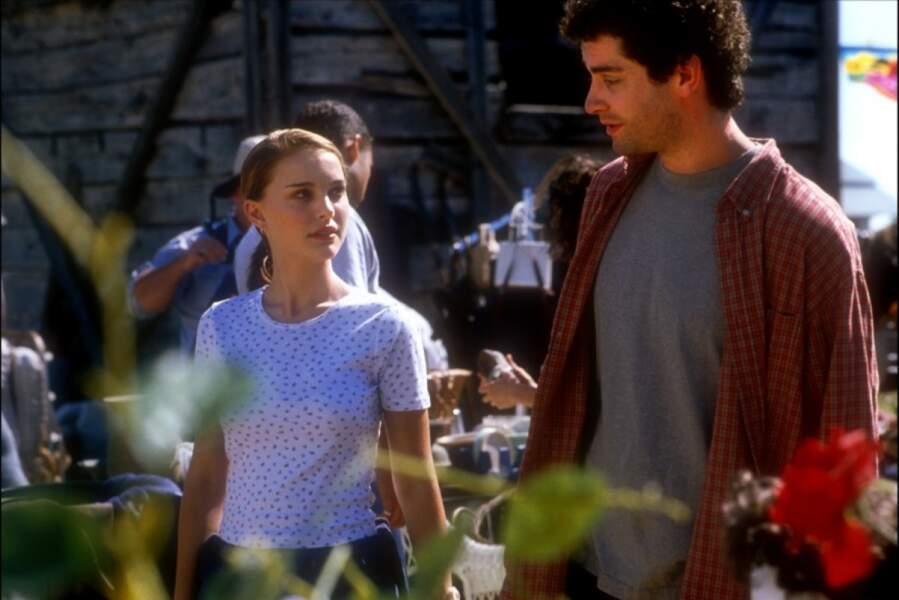 """Toujours belle et élégante, Natalie Portman apparaît dans """"Où le cœur nous mène"""" de Matt Williams (2000)"""