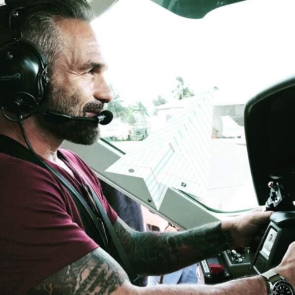 L'enregistrement de Coup de foudre à Bora Bora continue pour Philippe Bas.