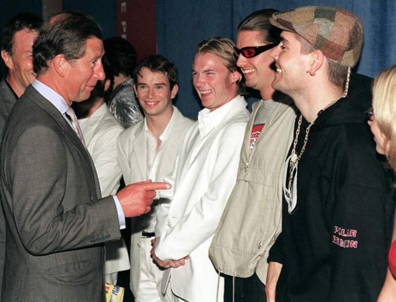 Stephen Gately, ainsi que les autres membres de Boyzone, avaient été salués par le Prince Charles.