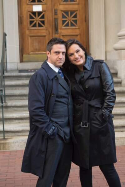 Raul Esparza et Mariska Hargitay, les comédiens de New York, unité spéciale, vous saluent