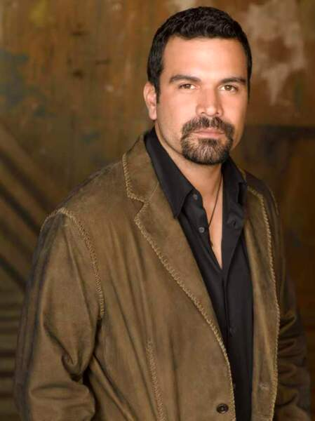 Ricardo Chavira - Welcome to the Family (NBC)