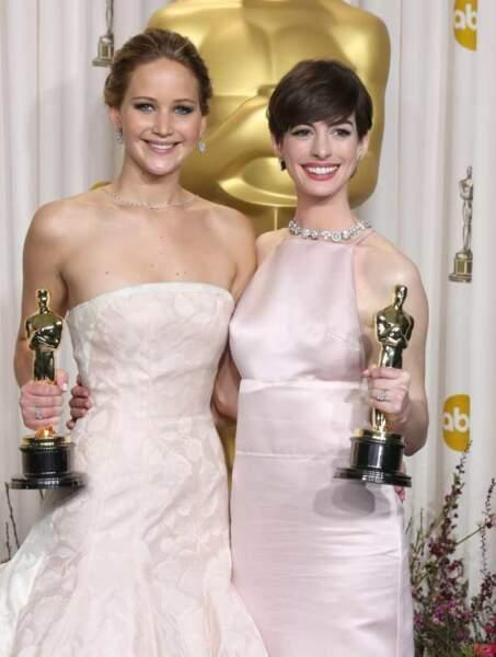 Jennifer Lawrence, meilleure actrice et Anne Hathaway, meilleur second rôle féminin