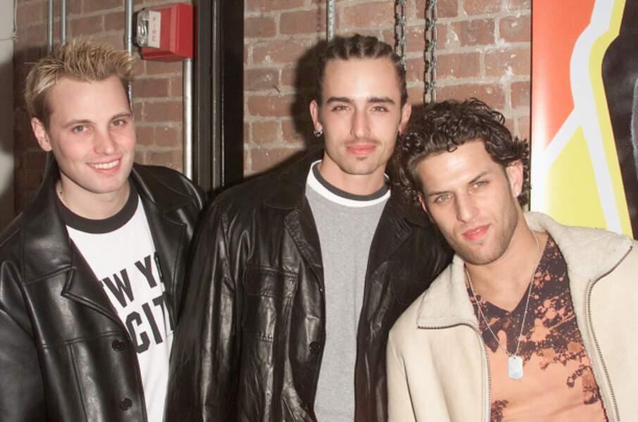 Rich Cronin (à gauche), le feu chanteur du groupe anglais LFO.