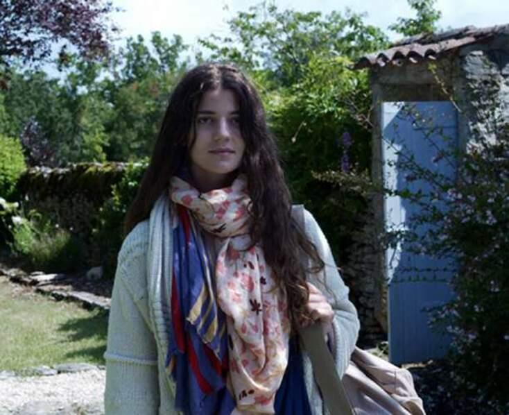 Esther Garrel dans Jeunesse