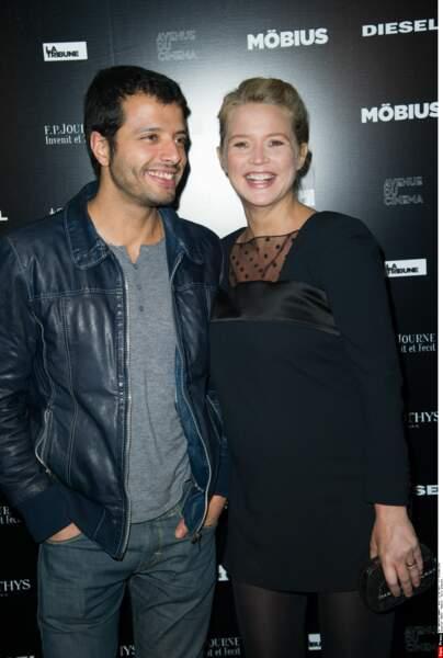 Avec Mabrouk El Mechri, son compagnon, avec qui elle aura une fille, prénommée Ali, en hommage au boxeur.