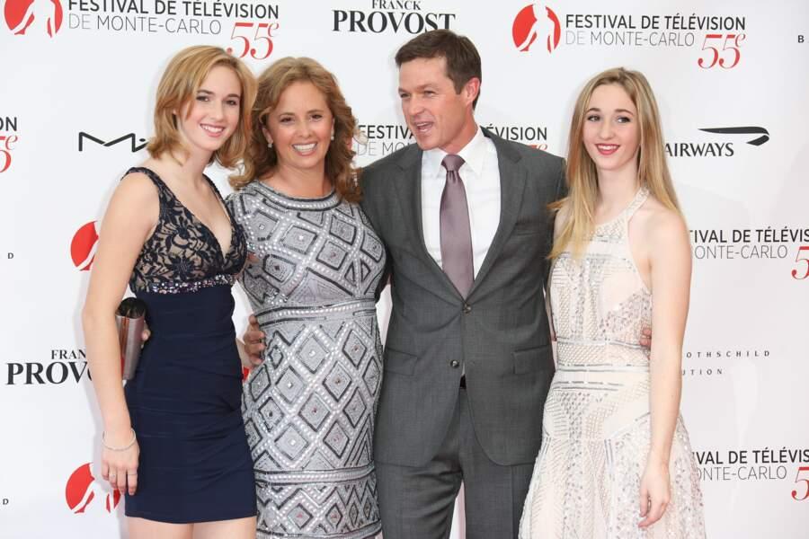Eric Close accompagné de son épouse depuis 20 ans, Keri, et de leurs deux filles, Katie et Ella