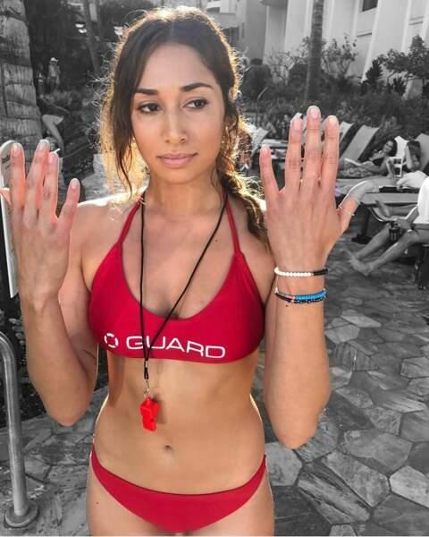 Meghan Rath (Tani dans Hawaii 5-0) n'est pas prête, son vernis n'est pas sec !
