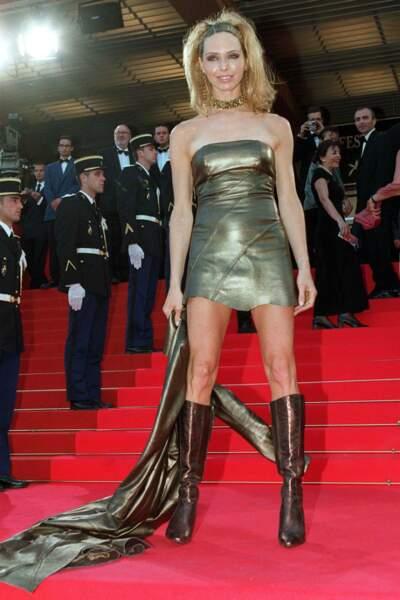 En 2001, Tonya Kinzinger fait sensation sur les marches du Festival de Cannes