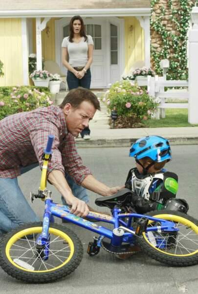 MJ apprend à faire du vélo