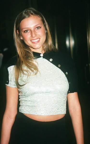En 1994, la top-model Bridget Hall est la compagne de Leo. Pas encore une star mais déjà des goûts de luxe...