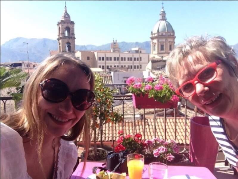Mais encore plus fière de fêter l'anniversaire de sa maman en Italie, trop mignon !