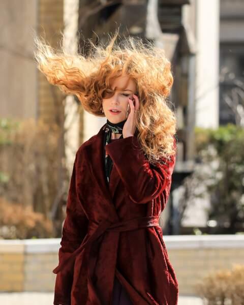 Même le vent n'arrête pas Nicole Kidman, en tournage à New York pour The Undoing, une minisérie pour HBO…
