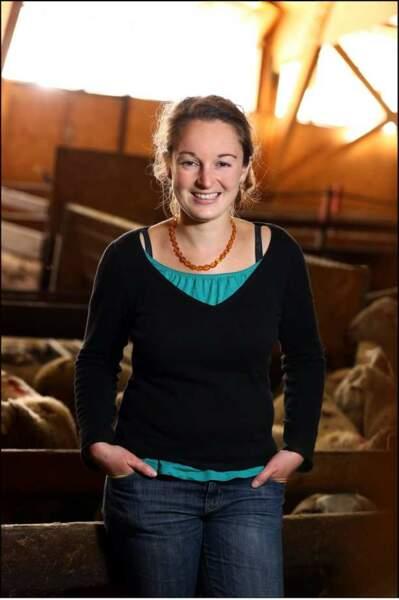 Audrey, 28 ans, éleveuse bio de poussins, de poulets et de brebis