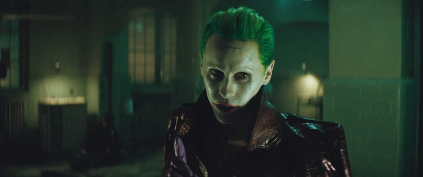 Le Joker (Jared Leto). Son arme ? Sa folie !