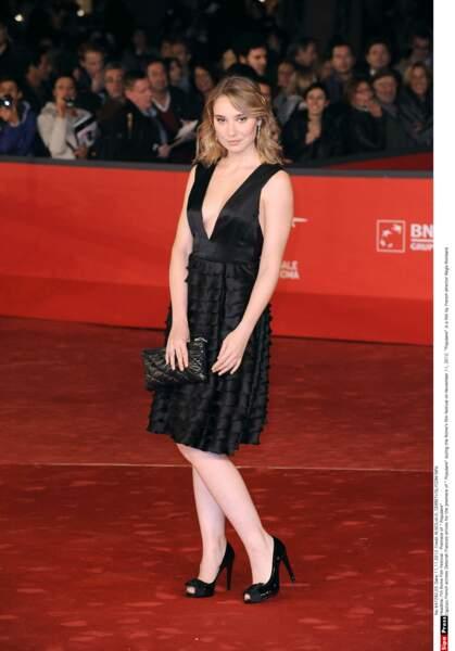 Et à la ville, impeccable en petite robe noire comme ici à Rome en 2012 !