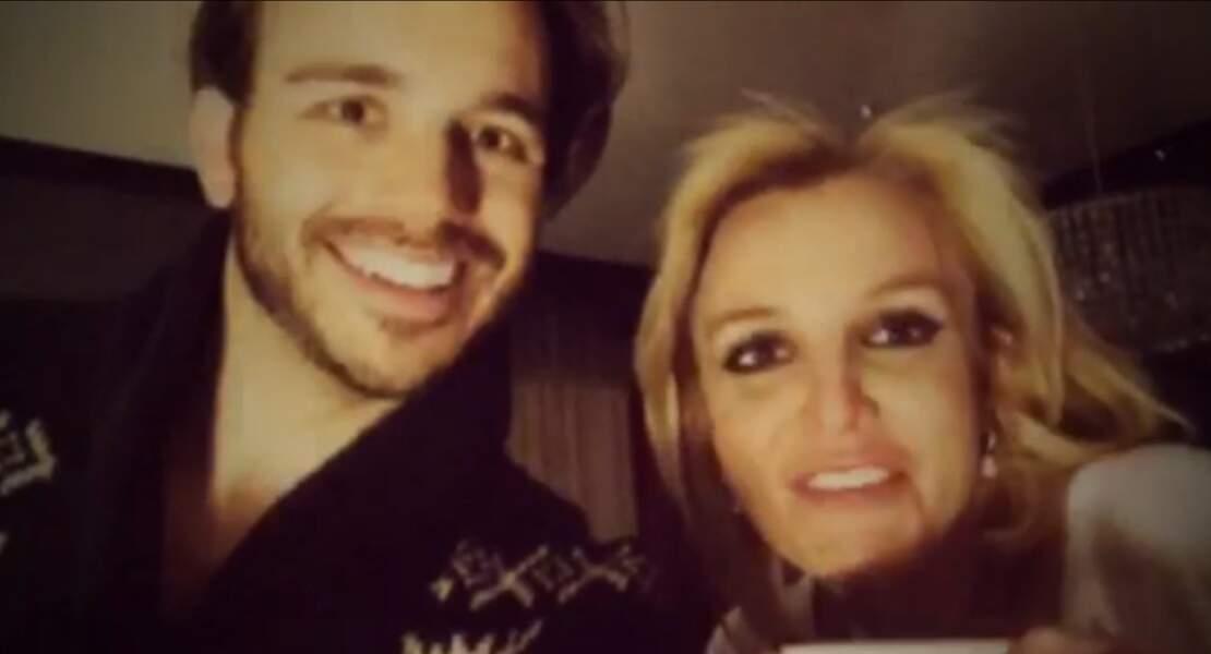 Britney Spears, heureuse avec son petit-ami Charlie Ebersol