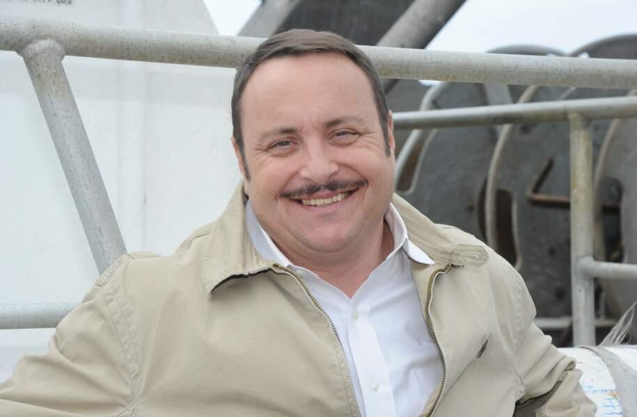 Vincent Ferniot qui était déjà chroniqueur dans l'émission de France 3 depuis son lancement en 2011.