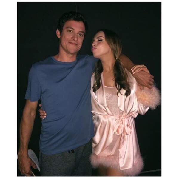 Elizabeth Gillies a retrouvé James Mackay, lui aussi acteur dans Dynastie, et est visiblement très heureuse !