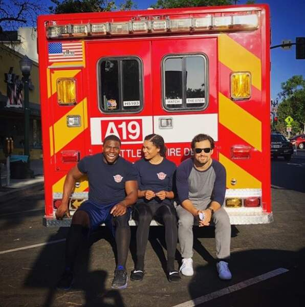 Pimpon ! Les acteurs de Station 19 s'éclatent sur leur (gros) camion de pompier