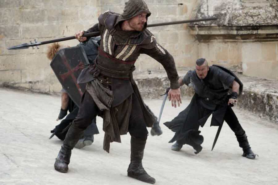 Avec Assassin's creed il endosse à nouveau un rôle très physique dans cette adaptation du jeu vidéo