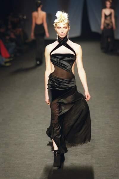 L'année suivante, elle défile à Paris pour Fatima Lopez