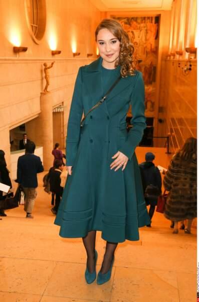 Un an après, classieuse lors de la Fashion Week au défilé Elie Saab à Paris !