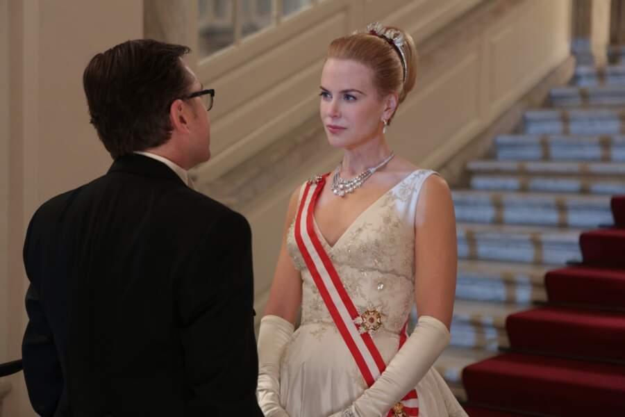Elle incarne une reine dans le biopic Grace de Monaco