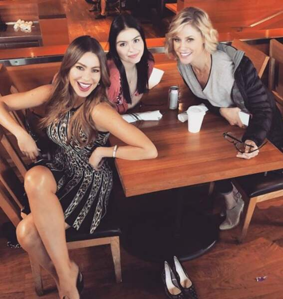 Sofia Vergara, Julie Bowen et Ariel Winter adorent tourner ensemble dans Modern Family
