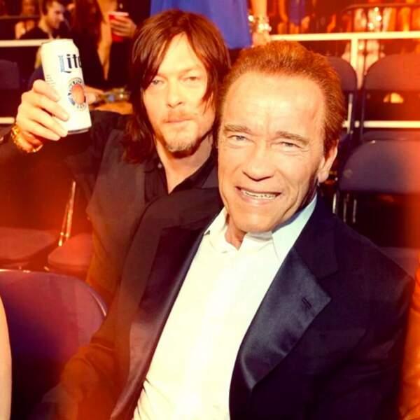 Tiens, mais que fait l'acteur avec Arnold Schwarzenegger ?