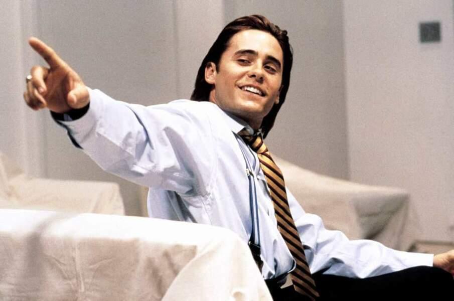 Face à un Christian Bale également métamorphosé, Jared Leto endosse le costard d'un trader new-yorkais