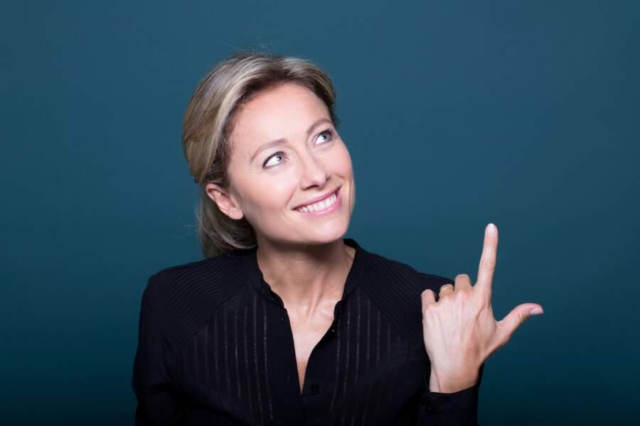 Anne-Sophie Lapix arrête de présenter Mots croisés sur France 2, mais reste à la tête de C à vous sur France 5.