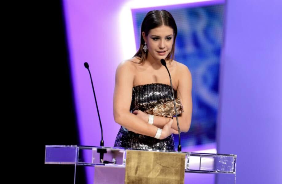Adèle Exarchopoulos, émue de recevoir le César du meilleur espoir féminin