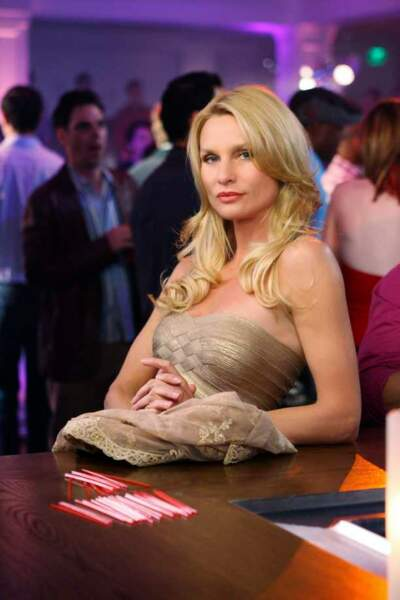 Desperate Housewives - Edie au bar