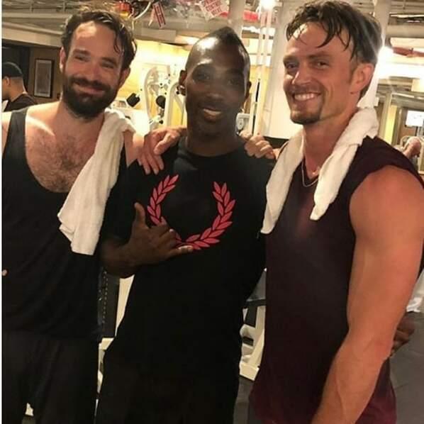 Une photo de Charlie Cox en préparation pour Daredevil, c'est rare ! À droite, Wilson Bether jouera Bullseye