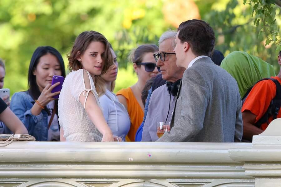 Sur le tournage, dans Central park, à New York, aux côtés de Jesse Eisenberg