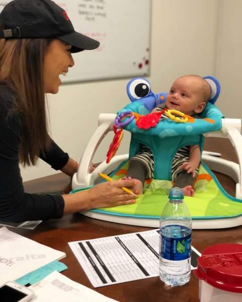 Eva Longoria a ramené une petite surprise sur son lieu de travail…