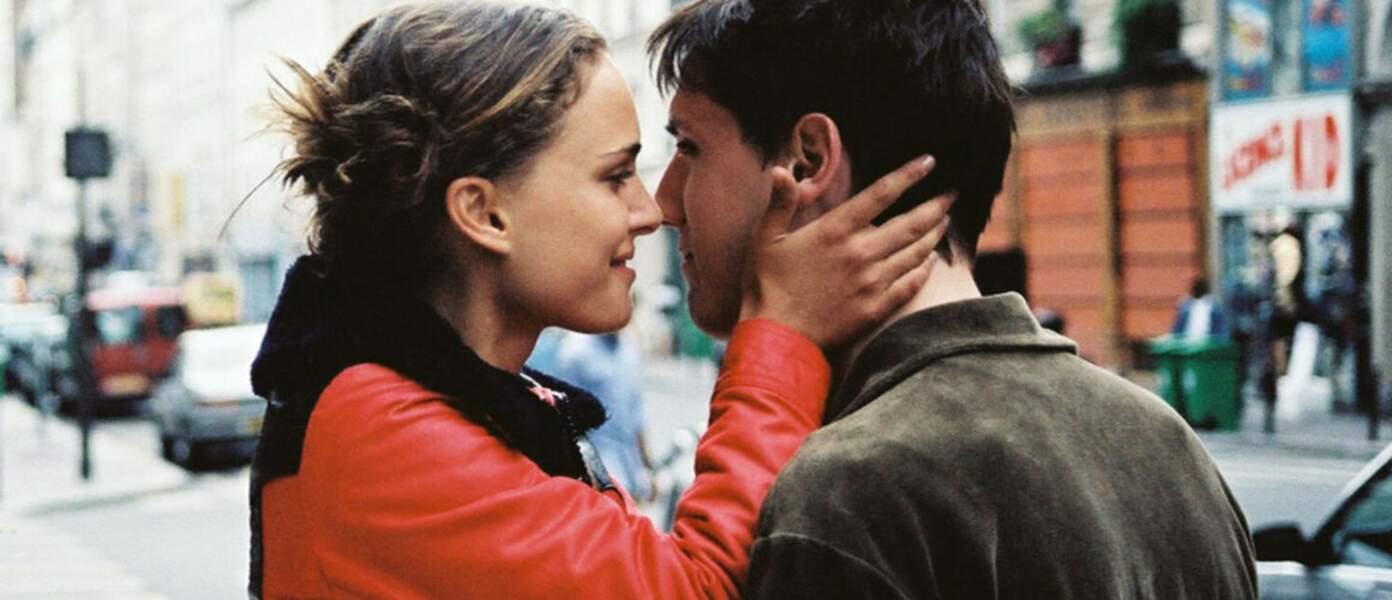 """Dans """"Paris, je t'aime"""" de Tom Tykwer (2006), Natalie Portman joue une amoureuse. Son Gus a de la chance !"""