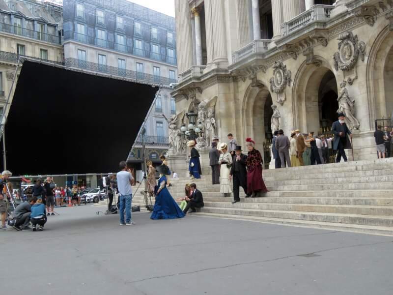 À Paris, les touristes ont remarqué un tournage devant l'Opéra Garnier