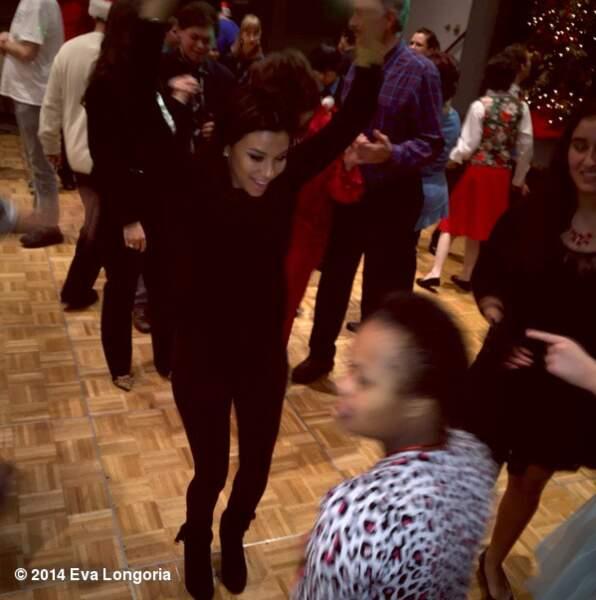 Eva Longoria danse pour les enfants de son association