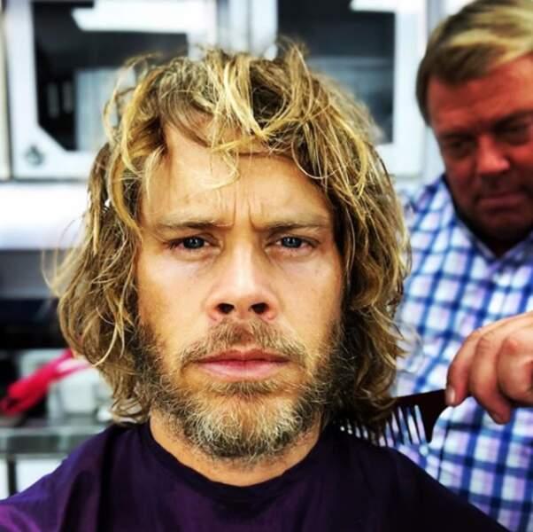 Une petite coupe pour Eric Christian Olsen avant de démarrer le tournage de la saison 11 de NCIS : Los Angeles !