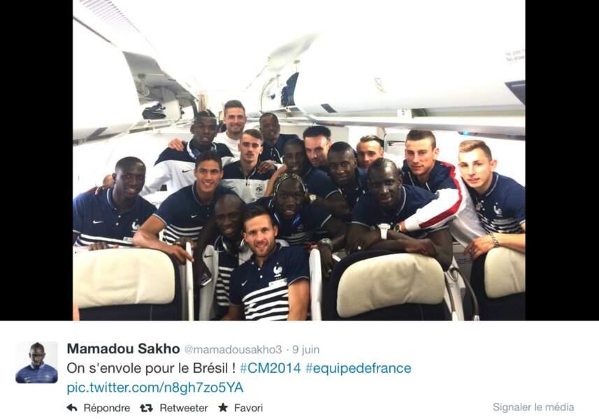 Début juin, dans l'avion qui mène les Bleus au Brésil
