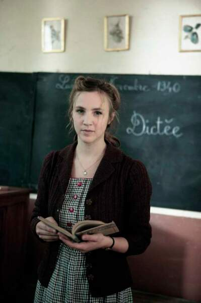 Marie Kremer : Lucienne, l'institutrice