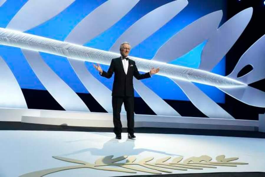 Steven Spielberg est comme chez lui sur la scène du Palais des Festivals