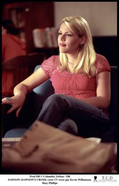 Busy Phillips, alias Audrey, la coloc un peu déjantée de Joey à la fac
